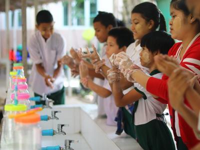 チャイルドケアの海外ボランティア ミャンマーの子供たちへの手洗いを通した保健衛生指導