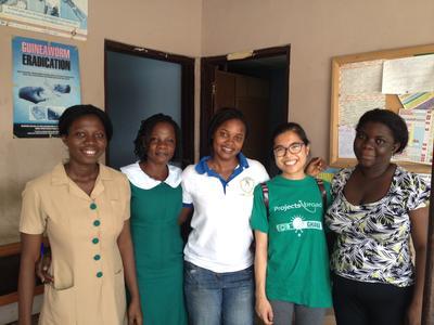 ガーナで国際協力 日本人ボランティアと現地スタッフ