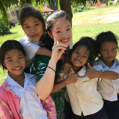英語の壁を越えて、カンボジアでチャイルドケア活動に励む日本人ボランティア