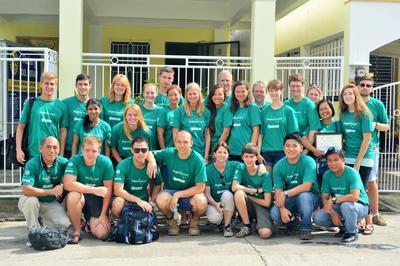 プロジェクトアブロードと一緒に海外ボランティア フィリピンのスタッフとボランティアたち