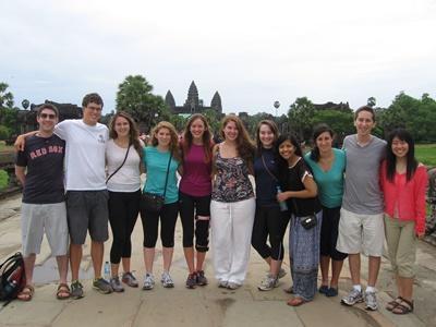 カンボジアのグループ旅行