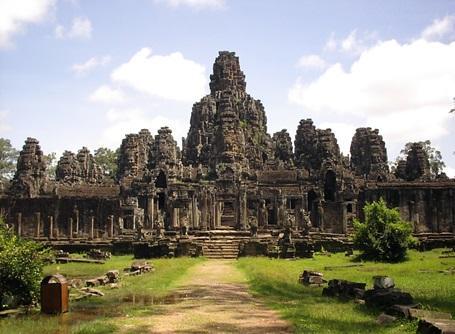 プロジェクトアブロードでカンボジアのボランティア活動に参加しよう!