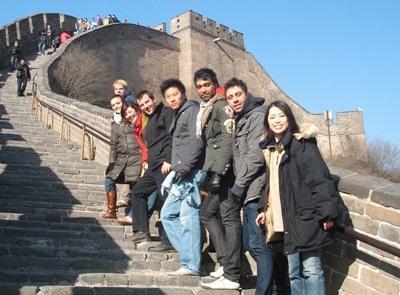 万里の長城を訪れるプロジェクトアブロードボランティアたち