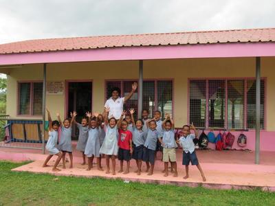 フィジーで海外ボランティア チャイルドケア