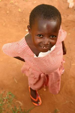 アクアペムヒルズ、アウトリーチ活動地、Kwomoso school での女の子