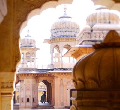 インド、ガルタジの美しいお寺