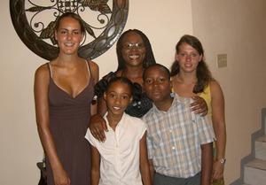 ジャマイカ、マンデヴィレのホストファミリーとプロジェクトアブロードボランティア