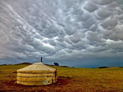 モンゴルの大草原のゲル