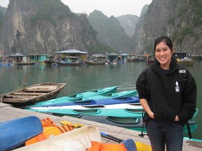 ベトナムの湖とボランティア
