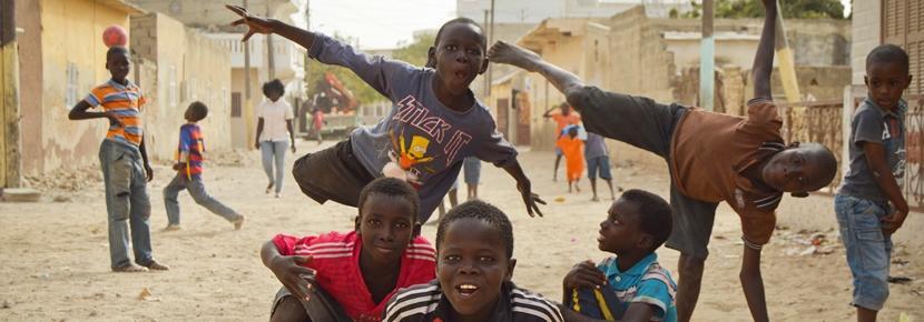 アフリカの子供たちの発育に貢献するケアボランティア活動