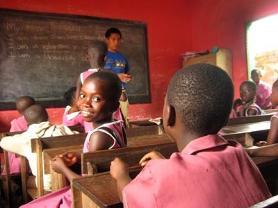アフリカで英語を教えるプロジェクトアブロードのボランティア