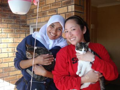 南アフリカのケープタウンでアニマルケア活動中の日本人獣医療インターン