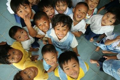 アジアの子供たちのためにボランティア活動を