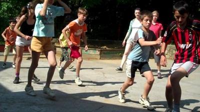 東ヨーロッパでサッカーを教えるボランティア