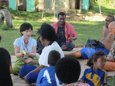Intern on Medicine & Healthcare in the South Pacific with Projects Abroad working with the local community