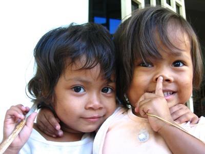 ケアボランティア カンボジアの児童たち
