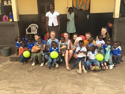 海外ボランティア ガーナでチャイルドケア