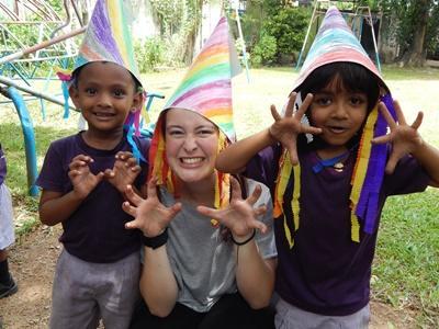 大学生・短大生の短期海外ボランティア スリランカでチャイルドケアに貢献する学生ボランティア