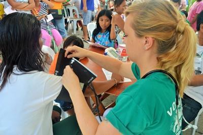 大学生・短大生の海外ボランティア フィリピンで公衆衛生活動