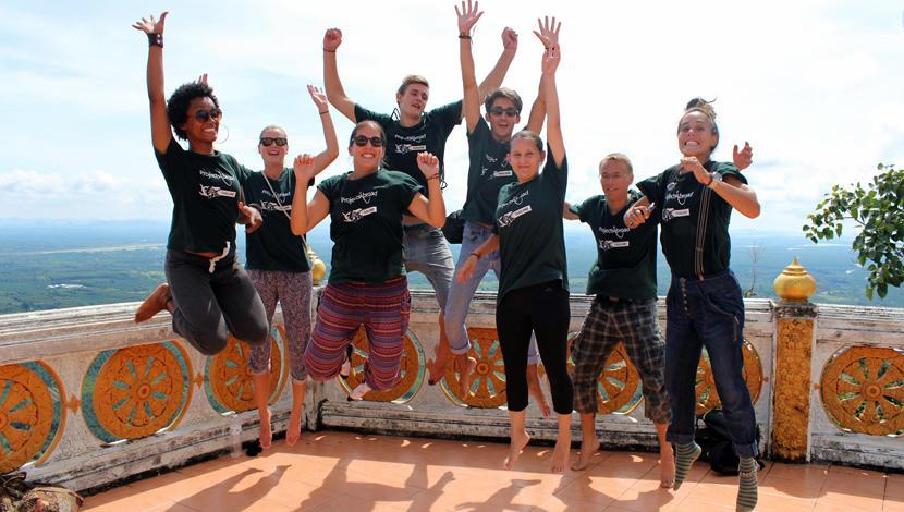 世界中から集まる大学生と一緒に海外ボランティアをしよう!