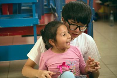 プロジェクトアブロードケアプロジェクト ボランティアとベリーズの子供たち