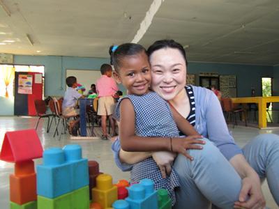プロジェクトアブロード ケアボランティアとフィジーの子供たち
