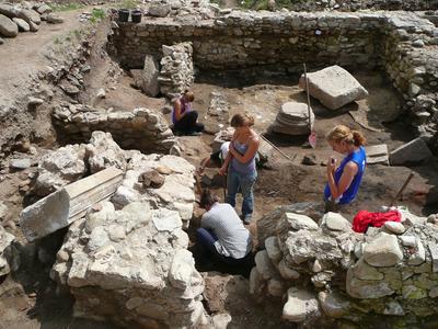 東欧ルーマニアで考古学遺跡発掘調査の海外ボランティア
