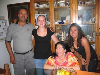 メキシコ、ホストファミリーとプロジェクトアブロードボランティア
