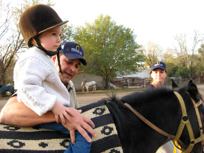 アルゼンチンで乗馬セラピーを通した患者へのケア活動に貢献しよう!
