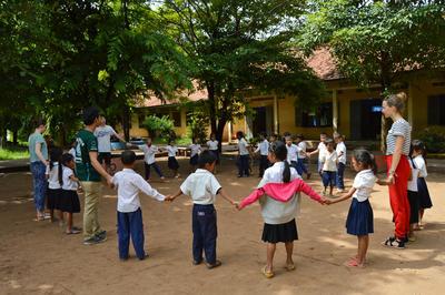 カンボジアでチャイルドケアを通した海外ボランティア