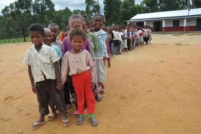 マダガスカルで子供たちの発育に貢献 現地の子供たちの様子