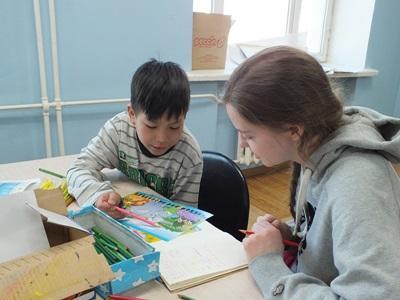 モンゴル、ケアプロジェクト、アクティビティーをするプロジェクトアブロードボランティア
