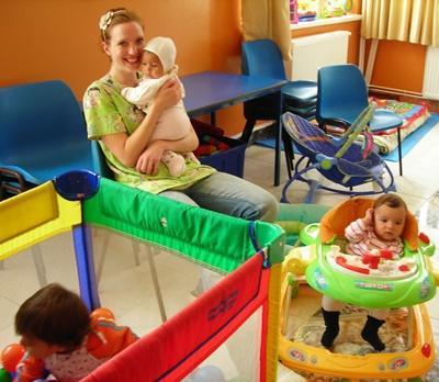 ルーマニア、孤児院で赤ん坊のお世話をするプロジェクトアブロードボランティア