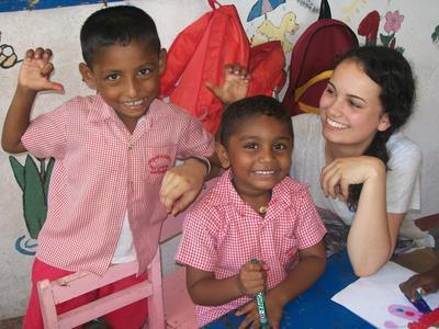 スリランカで子供のケアの海外ボランティア