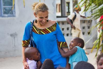 アフリカ、孤児院でボランティア