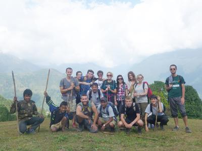 ネパールで頑張る環境保護ボランティアたち