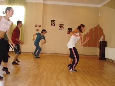 ルーマニア、パフォーミングアートプロジェクト、ダンスを教えるプロジェクトアブロードボランティア