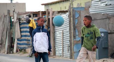 南アフリカで海外ボランティア ケープタウンのタウンシップに暮らす現地の子供たち