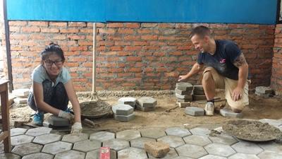 夏休みに参加できる高校生対象の海外ボランティアプログラム 南アジアのネパールで建築活動