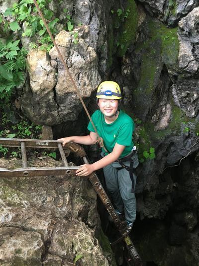 高校生短期海外ボランティア コスタリカの洞窟で環境保護活動