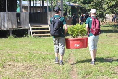 南米ペルーで森林再生に貢献する高校生ボランティアたち