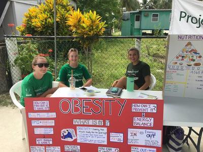 中米ベリーズで公衆衛生活動に貢献する高校生ボランティアたち