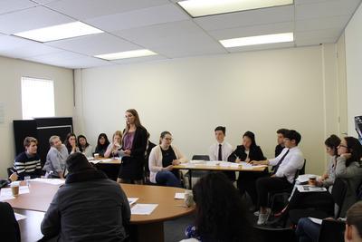 高校生の短期海外ボランティア 南アフリカ法律&人権プログラムの模擬裁判