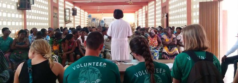 アフリカのトーゴで、短期国際医療インターンシップ 医療アウトリーチ活動の様子