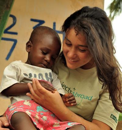 社会福祉インターンとガーナの児童