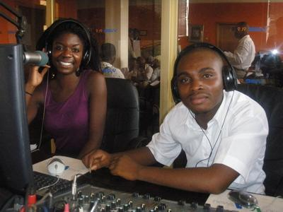 ガーナでジャーナリズムの海外インターンシップ ラジオ局で海外就労経験