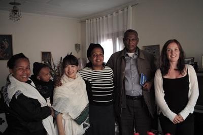 プロジェクトアブロード エチオピアで英語を勉強中の日本人ボランティア