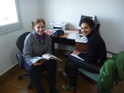 スペイン語コースをとり授業を受けるプロジェクトアブロードボランティア