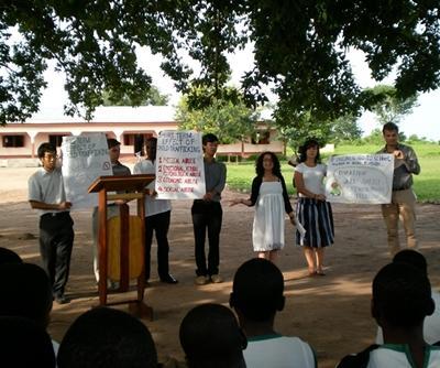 ガーナ、法律人権プロジェクト、村を訪れ教育をするプロジェクトアブロードボランティア