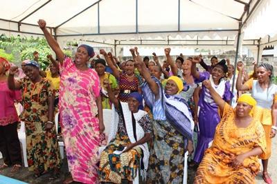 プロジェクトアブロード法律&人権プロジェクト 権利を求める現地人女性たち